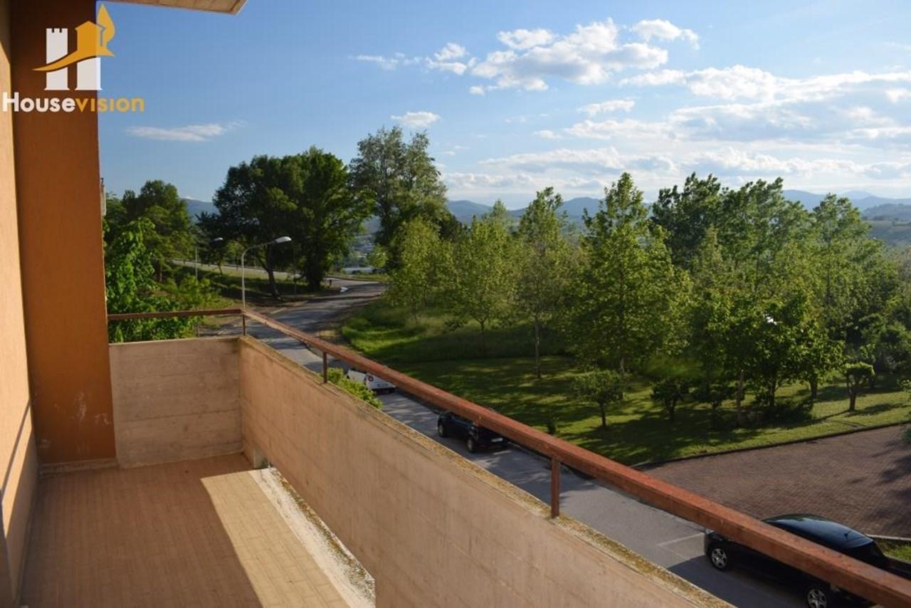 Appartamento Con Terrazza E Giardino A Serra De Conti