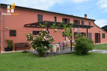 Farmhouse B&B for sale close to Senigallia
