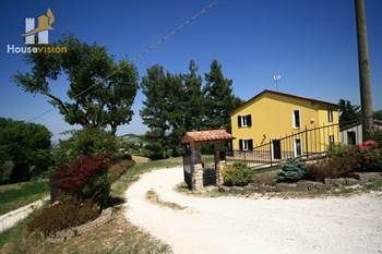 Newly restored villa for sale in le Marche landscape view.
